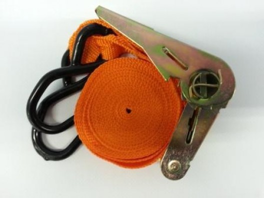 4.5m, Ratchet Strap, 250Kg rating, plastic coated metal hooks.
